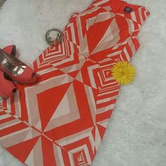 """VINCE CAMUTO ORANGE DRESS This fabulous dress is about 36"""" long from shoulders. Has a lining. Is in great condition. Vince Camuto Dresses Midi"""