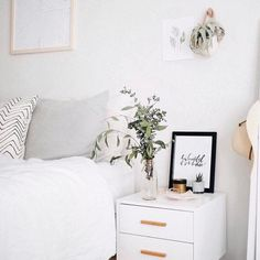 Bedroom décor ideas, with mid-century furniture We are want to say thanks if yo. - Decoration for All Home Bedroom, Bedroom Furniture, Bedroom Decor, Master Bedroom, Furniture Plans, Modern Bedroom, Kids Furniture, Feminine Bedroom, System Furniture