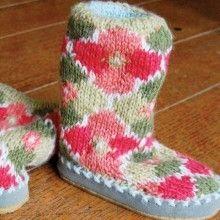 Knitting Pattern For Mukluk Slippers : 1000+ images about Socks & Slippers on Pinterest Slippers, Sock and Rav...