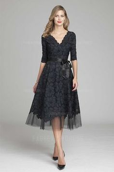 A-Line/Princess V-neck Tea-length Lace Mother of the Bride Dress
