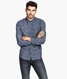 Long-sleeved shirt in blue washed denim with printed paisley pattern. | H&M Denim
