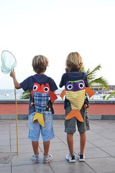 Chicharros mochila en forma de pez estampado por CosturillaHandmade