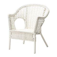 FINNTORP Fauteuil IKEA Het meubel is handgemaakt en daardoor uniek. Het heeft afgeronde vormen en fraaie patronen.