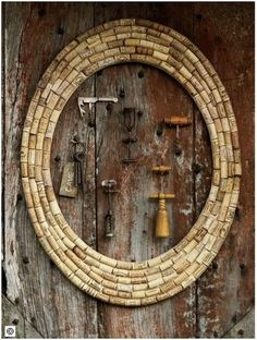 ~ use wood from a pallet for the base ~ then ~ use corks to make a frame for your wine opener collection! ~ or add an old mirror to the cork frame cool Wine Craft, Wine Cork Crafts, Wine Bottle Crafts, Wine Cork Frame, Wine Cork Art, Wine Cork Wreath, Wine Cork Projects, Wine Bottle Corks, Wine Decor