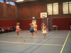 BSA Stadsveld 2004 Dynamic Dance, Budgeting, Dancer, Basketball Court, Dancers, Budget Organization