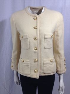 Timeless cream Chanel blazer
