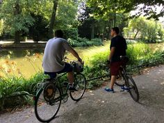Two of our guests enjoying the view in Maksimir park while trying to cool down a bit after a long ride in Zagreb's hot summer temperatures. #cycling #yellowelephant #1city2wheels #tours #lobagolaadventure #lobagolabnb  #zagreb #croatia