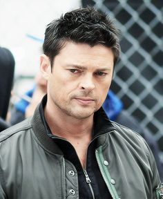 """Auckland native Karl Urban makes a great Bones in """"Star Trek"""" and has a new show """"Almost Human"""" hitting stateside soon!"""