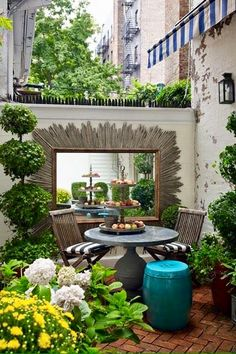 A small courtyard.