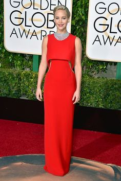 Golden Globes 2016: Jennifer Lawrence in a Dior red dress