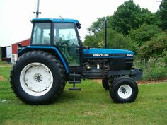 Used Row Crop Tractors For Sale - John Deere MachineFinder New Holland Ford, New Holland Agriculture, Tractors For Sale, Classic Tractor, Ford Tractors, Ford News, Heavy Machinery, Farming, Horses