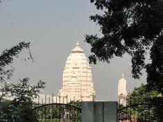 #magiaswiat #vrindavan #matura #podróż #zwiedzanie #indie #blog #świątynie #krishna #gopi #aszram #ogrody #jamuna #mandir #kund #ghaty #govinddev# vaishnodevi #pałac #giridharigoudiya #namyogasadhana Mandir, Krishna, Building, Blog, Travel, Viajes, Buildings, Blogging, Destinations