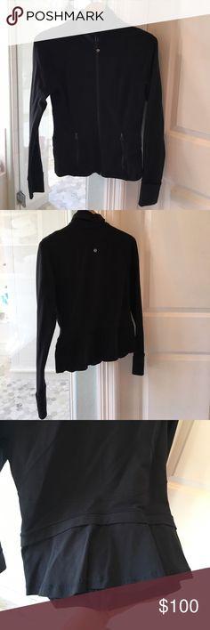 Lululemon bustle jacket Good condition, no piling lululemon athletica Jackets & Coats