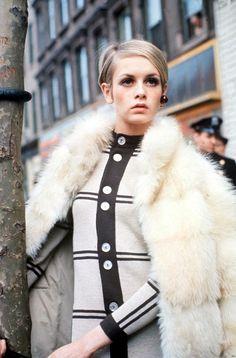 Twiggy 60's fashion icon