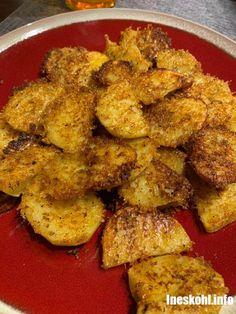 CRISPY CRUNCHY PARMESAN POTATOES RECIPE – InesKohl Kitchen Smoke Sausage And Potatoes, Bacon Ranch Potatoes, Parmesan Potatoes, Sliced Potatoes, Baked Potatoes, Baked Potato Slices, Best Fruit Salad, Potato Bites, Potato Side Dishes