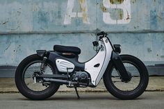 The 2018 honda cub gets its first custom build media gallery. featuring 11 the 2018 honda cub gets its first custom build high-resolution (. Honda Cub, C90 Honda, Motos Honda, Honda Motorcycles, Vintage Motorcycles, Custom Motorcycles, Custom Bikes, Honda Scooters, Custom Moped