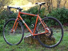 Sobre Versatile - Cyclo-Cross, Gravel Bike, Travel Bike, Commuter, Vélo Taf, route...