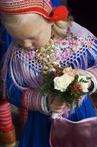 The traditional Sami costume is called a kolt - Photo: Johan Wildhagen/Innovation Norway