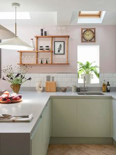 Colorful London Apartment Has the Cutest Pink and Green Kitchen   Apartment Therapy Kitchen Set Up, Green Kitchen, Open Plan Kitchen, Kitchen Colors, Kitchen Dining, Pink Kitchen Paint, Pink Kitchen Decor, Studio Kitchen, Kitchen Cabinets