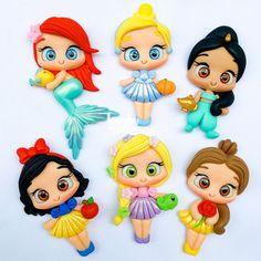 Polymer Clay Disney, Fimo Clay, Polymer Clay Crafts, Disney Word, Bags For Teens, Wallpaper Iphone Disney, Doll Eyes, Pasta Flexible, Clay Dolls