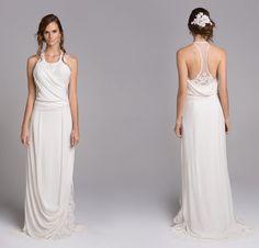 Giselle Nasser acaba de lançar mais uma linda coleção para noivas! Os vestidos seguem cheios de detalhes preciosos, em tecidos leves e esvoaçantes e recort