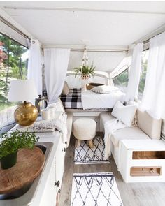 Extraordinary Vintage Camper Interior Ideas, Your camper is really the sweetest. To begin with, let's talk about things you ought to search FOR in your prospective camper. Vintage campers are ava. Happy Campers, Rv Campers, Camper Trailers, Small Campers, Pop Up Tent Trailer, Shasta Camper, Teardrop Campers, Food Trailer, New Pop Up Campers