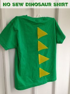 No Sew Dino Shirt I love crafting with my son and this is definitely one he'd love - both to wear and to help with!