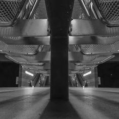#blackandwhite #uBahn #Hamburg #metro #bank in #Hafencity Schwarz-Weiß-Fotografie | Jutta Burmester | Jutta Burmester