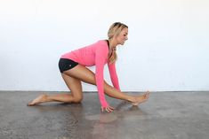 9 Stretches For Lean Legs - Get Sexy Legs With Stretching - Fit Girl's Diary Stretching Exercises For Legs, Lower Body Stretches, Hamstring Stretches, Thigh Exercises, Toned Legs Workout, Butt Workout, Barre Workout, Workout Tips, Thin Legs