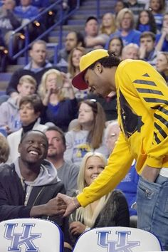 James Young and Julius Randle courtside for Kentucky's game vs. South Carolina.