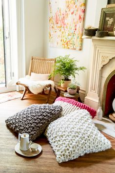 Make a gorgeous floor pillow with Anne Weil @flaxandtwine She's Teaching At Vogue Knitting Live Pasadena 2016 May 13-15 http://www.flaxandtwine.com/2016/04/teaching-vogue-knitting-live-pasadena-2016/?utm_campaign=coschedule&utm_source=pinterest&utm_medium=anne%20weil%20%7C%20flax%20and%20twine&utm_content=Teaching%20At%20Vogue%20Knitting%20Live%20Pasadena%202016