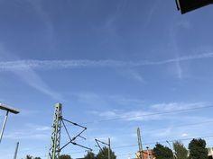 You think our weather is real? We are sprayed every day! Look at your sky! Stay informed & search for #geoengineering #chemtrails #haarp #weathercontrol #owningtheweatherin2025 #werneraltnickel #altnickel #sky #worldwide #openyoureyes #weatherisfake #hamburg #germany #wilhelmsburg