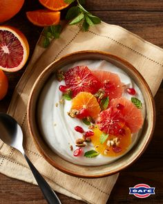 Lactose Free Greek Yogurt, Greek Yogurt Recipes, Nutritious Breakfast, Breakfast Recipes, Yogurt Breakfast, Healthy Snacks, Healthy Recipes, Low Sugar Recipes, Vegan Dishes