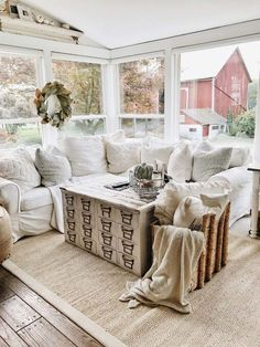 35 Rustic Farmhouse Living Room Design and Decor Ideas for Your Home - Home Decoration My Living Room, Living Room Decor, Cozy Living, Small Living, Decor Room, Bedroom Decor, Wall Decor, Modern Living, Barn Living