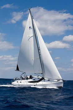 This is the Brand new Flagship of the Hunter Marine SailBoats, The Hunter 50 CC (Center Cockpit). Hunter Sailboats, Float Your Boat, Yacht Boat, Sail Away, Set Sail, Tall Ships, Water Crafts, Belle Photo, Sailing Ships