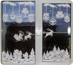 Have you ideas to easily decorate your window? Do not let the stress of decorating you lose the spirit of Christmas.Here are some wonderful Christmas window decorations for you. Browse them and we're sure you'l find the one you want. Christmas Paper, Winter Christmas, Christmas Crafts, Christmas Ornaments, Christmas Window Decorations, New Years Decorations, Holiday Decor, Christmas Windows, Holiday Pictures