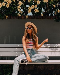 'Summertime you know :)' Ootd Poses Instagram, Foto Instagram, Friend Poses Photography, Girl Photography Poses, Product Photography, Pic Pose, Foto Pose, Sarah Betts, Best Photo Poses