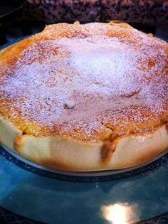 La torta pardula è un dolce sardo in versione gigante,di solito viene fatto piccolo (monoporzione),oggi ve lo propongo in un modo div Kinds Of Pie, Sweet Corner, Cocktail Desserts, Torte Cake, Sweets Cake, Pie Dessert, Something Sweet, International Recipes, Cakes And More