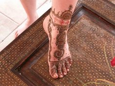 Mehndi Designs For Feet ~ About Lady
