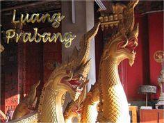 Le joyau, la perle de Luang Prabang. Ce temple somptueux date du milieu du XVIe siècle, et est l'un des rares sites religieux de la ville à ne pas avoir souffert de la mise à sac de Luang Prabang, en 1887, par les Pavillons noirs, une faction dissidente de l'armée chinoise de l'époque qui s'était reconvertie dans le banditisme et le pillage Luang Prabang, Laos, Buddhist Temple, Restoration, Presentation, Fair Grounds, Heritage Site, Temples, World