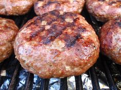 https://flic.kr/p/51Xt9Q | BURGER BEAUTY | There's nothing quite like a hand-made, juicy, 8-ounce burger to satisfy one's summertime urge for grilled meat.