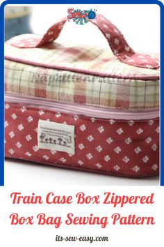 The train case zippered box bag wears many hats. You can use it as your portable sewing bag, it makes a good spot for your jewelry and trinkets and is a great bag to have on the road. It could also make for a great box to pack a snack for your little one. It's a little jack of all trades kind of bag. The box has a zippered lid that makes it perfect for organizing small items inside the bag and securing them during travel… Bag Patterns To Sew, Sewing Patterns, Insulated Lunch Bags, Train Case, Box Bag, Pattern Making, Organizing, Lunch Box, Zipper