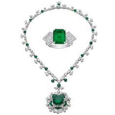 Bulgari Necklace with emeralds and diamonds and a Louis Vuitton ring with  emeralds and diamonds Diamant. Diamant SmyckenRingsmyckenSmyckenHalsband ... da0cee0198ff5