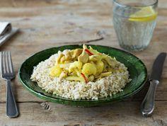 Gele curry met kip, bloemkool en zilvervliesrijst
