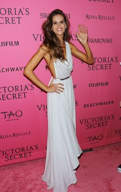 trendy fashion show victoria secret izabel goulart Izabel Goulart, Fashion Shows 2015, Trendy Fashion, Girl Fashion, Fashion Outfits, Fashion Tips, Fashion Ideas, Gents Fashion, Fashion Websites
