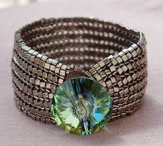 Raszputyin Design. Herringbone with triangle beads.