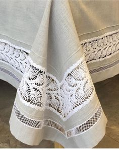 Burlap Tablecloth, Floral Tablecloth, Crochet Tablecloth, Tablecloths, Crochet Lace Edging, Filet Crochet, Wholesale Home Decor, Lace Table Runners, Boho Home
