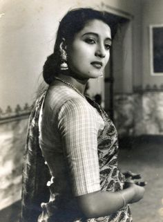 """Suchitra Sen the """"Mahanayika"""" of Bengali cinema, was the first Indian to win the best actress award in an international film festival. By SUHRID SANKAR CHATTOPADHYAY Beautiful Bollywood Actress, Most Beautiful Indian Actress, Beautiful Actresses, Asian Photography, Fashion Photography Poses, Bollywood Photos, Bollywood Stars, Old Film Stars, Best Actress Award"""