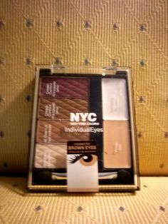 NYC Eye color complementary from Beauty Blogger Vox Box