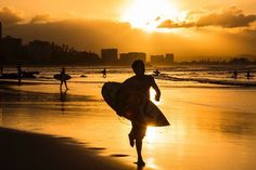 SUNSET SNAPPER ROCKS #sunset #surfing #sunlight #surf #photographer #photo #photooftheday #photography #pictures #surfer #queensland #goldcoast #snapperrocks #waves #wave #beach #beaches #beachlife by amandalukerphotography